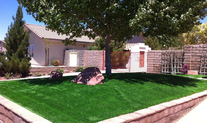 Artificial Grass for Commercial Applications in Albuquerque